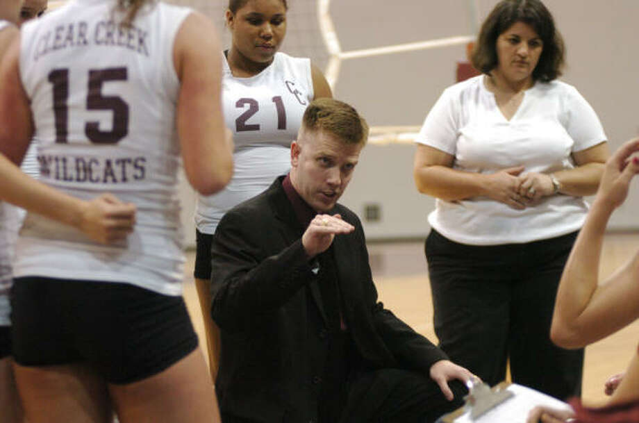 Coach Scott Simonds and his Clear Creek volleyball team have high hopes for the upcoming season. Photo: Kirk Sides, For The Chronicle