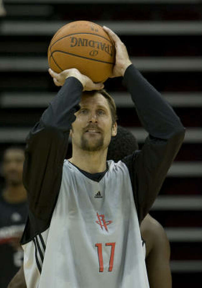 A two-time NBA champ with the Spurs, Brent Barry could be a missing ingredient for the Rockets. Photo: James Nielsen, Chronicle