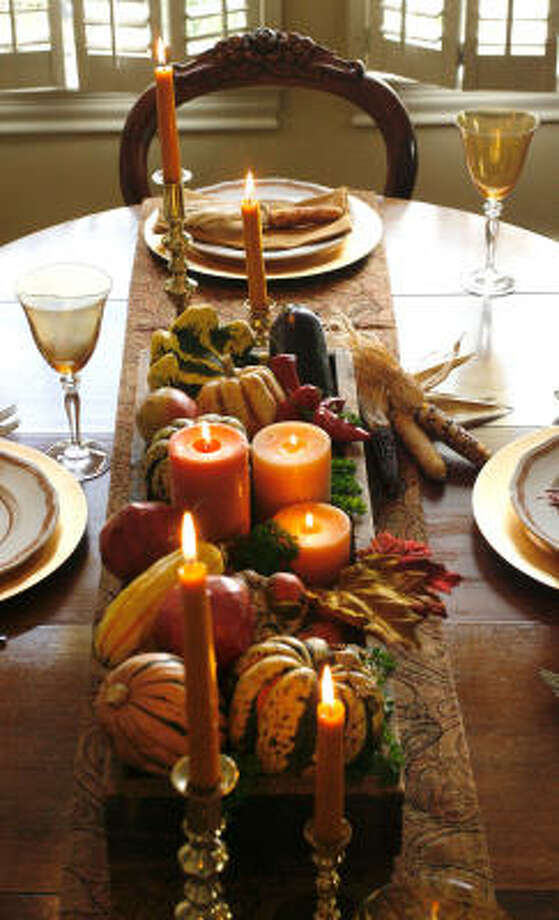 Thanksgiving centerpiece and tabletop created by Kathy Huber. Photo: Karen Warren, Chronicle