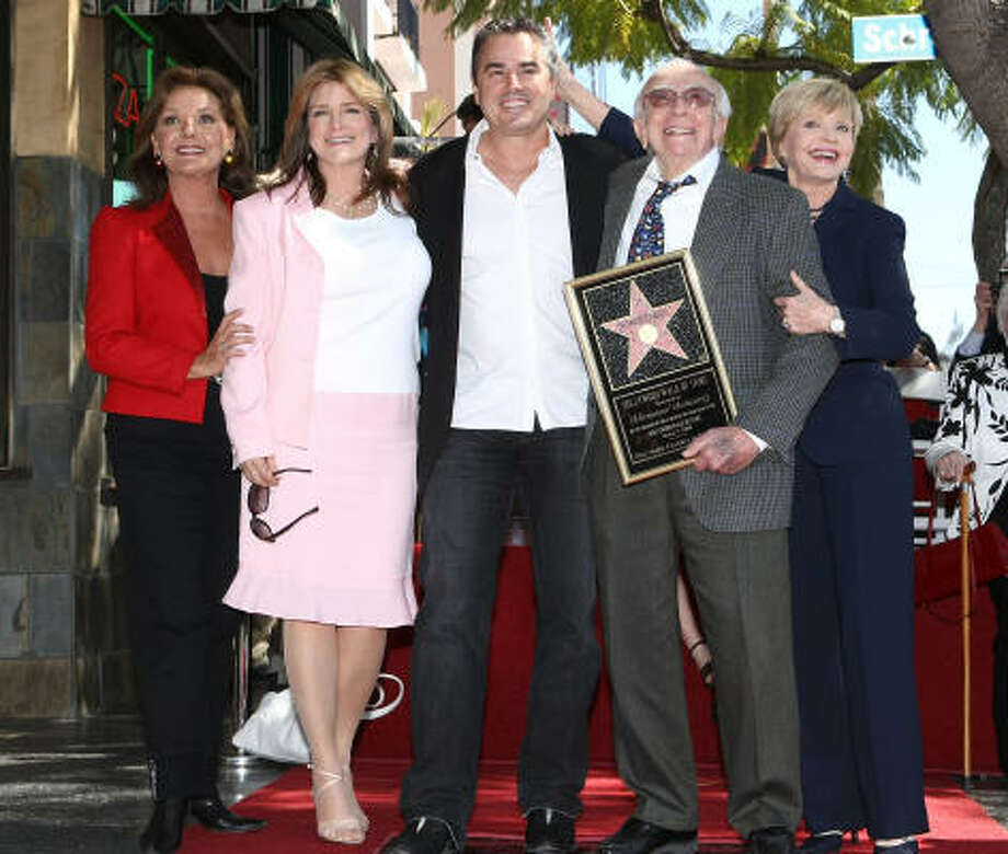 Gilligan's Island co-star Dawn Wells, left, and three of the Bradys — Susan Olson, Christopher Knight and their TV mom, Florence Henderson — congratulate Sherwood Schwartz in Hollywood on Friday. Photo: Alberto E. Rodriguez, Getty Images