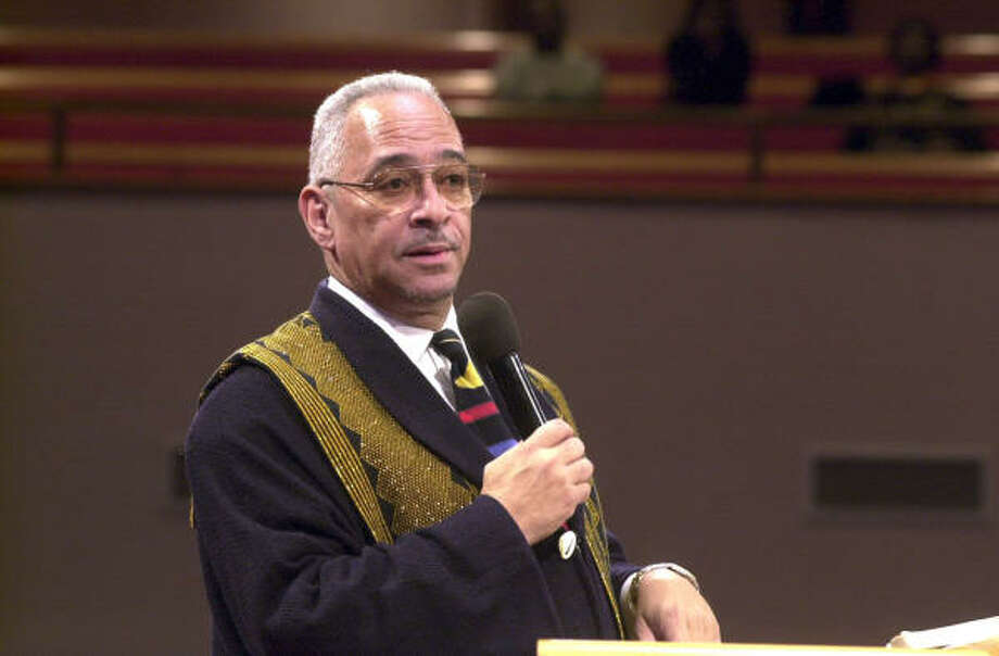 At Chicago's Saint Sabina church on Friday, the Rev. Jeremiah Wright, shown in 2000 at his former church, Trinity, didn't discuss the Barack Obama controversy. Photo: Brian Jackson, Associated Press