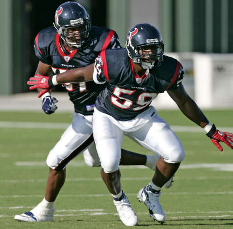 The Texans' DeMeco Ryans (59) will see Peyton Manning in person for the first time today. Photo: BRETT COOMER, CHRONICLE