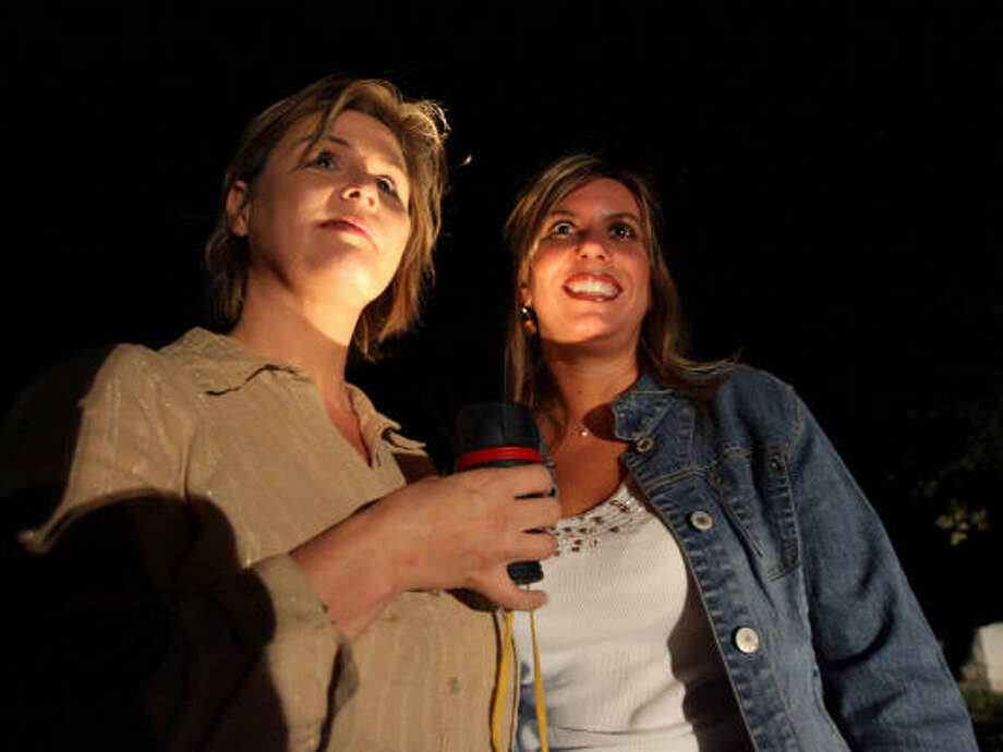 Lorrie Jones, left, and Tara Deters, self-described Southern social butterflies, began Ghost Chicks with the intention of hosting tours of historical haunted homes along the Mississippi Coast. Hurricane Katrina changed all of that. Photo: Tim Isbell, BILOXI SUN HERALD/MCCLATCHY TRIBUNE