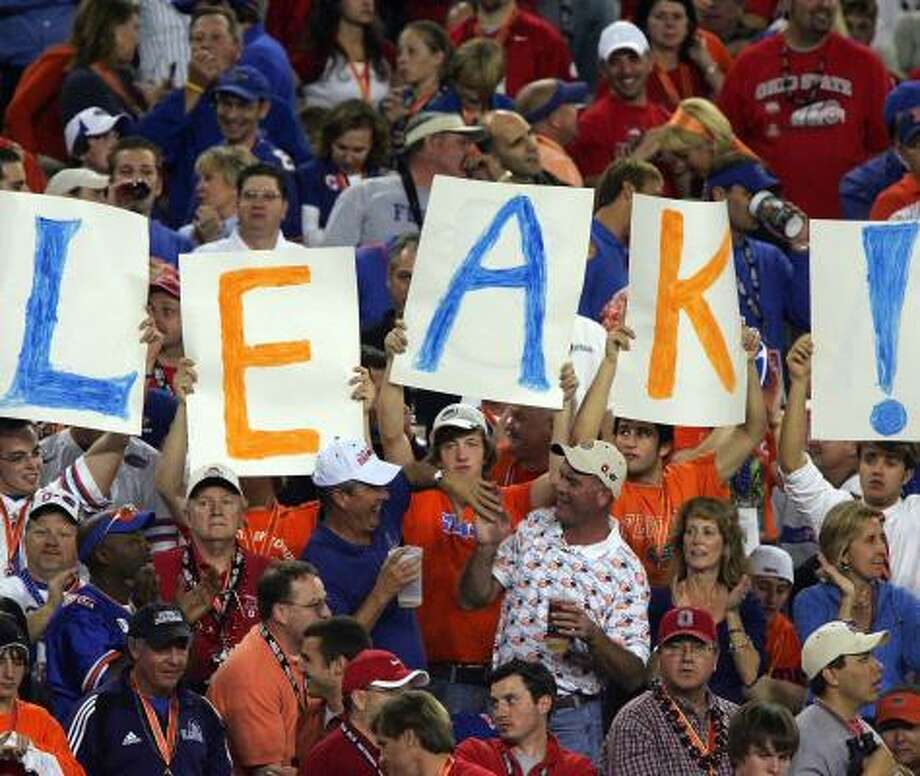 The Florida fans stand by their man: QB Chris Leak. Photo: Jed Jacobsohn, Getty Images