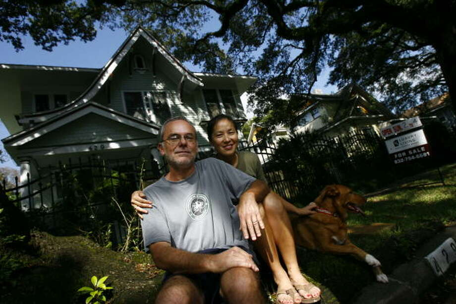 Jim Glaser and his wife, Jeanette Liang, have had their Woodland Heights home for sale for more than two months. Glaser says he's still confident about the local market and won't drop the $779,000 price. Photo: Nick De La Torre, Chronicle
