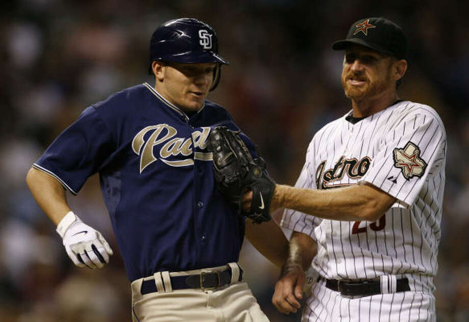 History does not suggest a good season ahead for Woody Williams (with Jake Peavy in 2007). Photo: Melissa Phillip, Chronicle