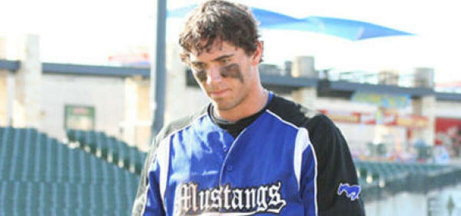 Friendswood and junior first baseman Alex Anastas finished the season at 27-10. Photo: GERALD JAMES, For The Chronicle