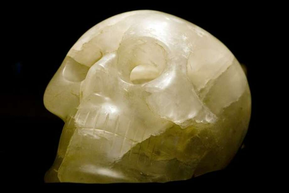 The Smithsonian Institution's specimen has been examined under an electron microscope. The smooth marks on the surface of the crystal could have been made only by modern cutting tools. Photo: KEVIN CLARK, WASHINGTON POST