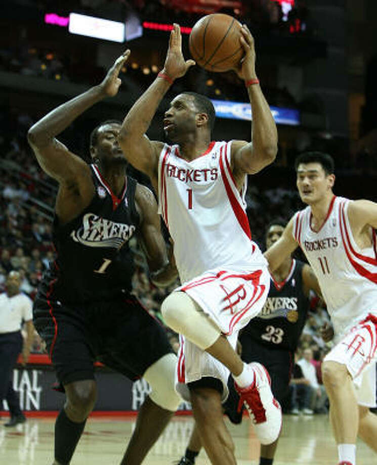Tracy McGrady (1) scored a game-high 24 points in just over 35 minutes against Philadelphia on Wednesday. Photo: Billy Smith II, Chronicle