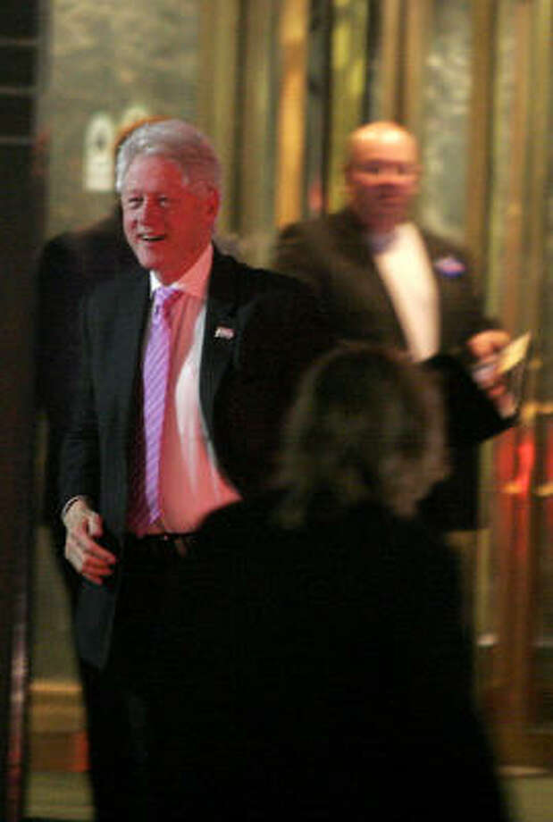 Bill Clinton's appearance at the Hyatt Regency in downtown Houston drew a few hundred people on Tuesday. Photo: Bill Olive, For The Chronicle