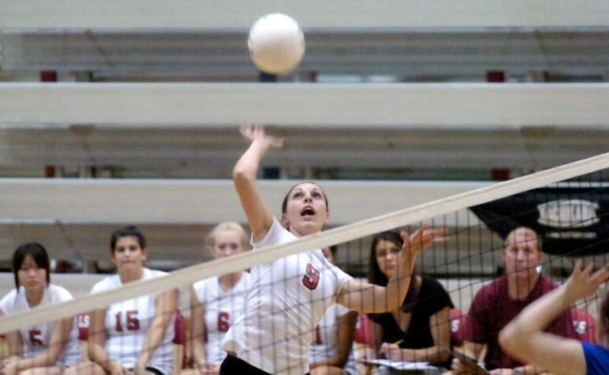 Greenwich High's Kelsey Goodwin in action as Greenwich High School hosts Fairfield Ludlowe High in a girls volleyball game. Ludlowe won the match 3-1