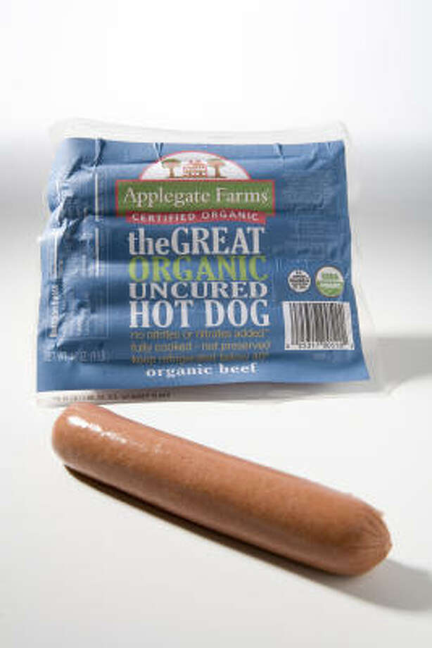 Organic brands may perk up the nation's appetite for hot dogs. Photo: Kevin Fujii, Chronicle