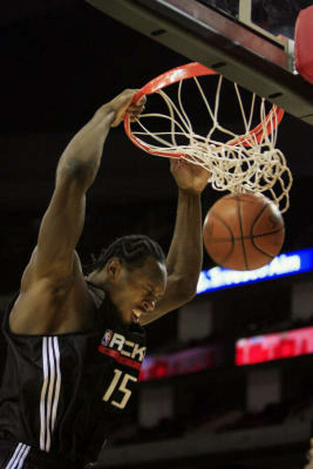 Joey Dorsey put on a show for Rockets fans Saturday. Photo: Eric Kayne, Chronicle