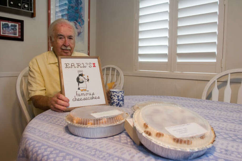 Earl Robbins has dished out hundreds of cheesecakes for charities and his acquaintances for more than 30 years. Photo: R. Clayton McKee, For The Chronicle