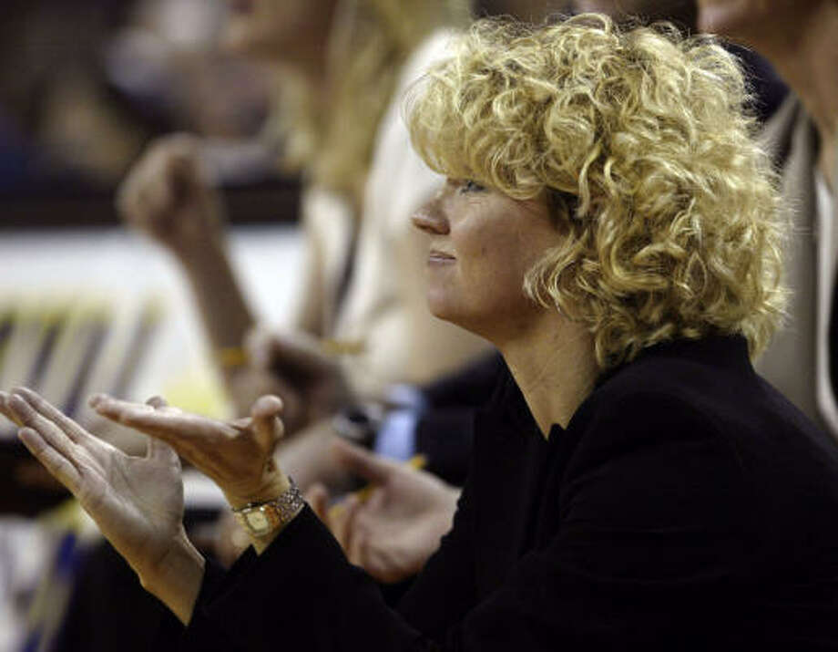 Oklahoma coach Sherri Coale said the Sooners played beyond their years in the road win. Photo: Harry Cabluck, AP