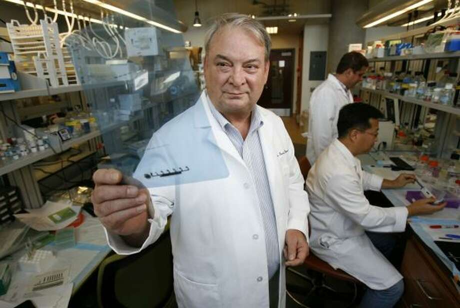 Dr. Ferid Murad, a Nobel laureate working at the University of Texas Health Science Center at Houston, and his colleagues have found a revolutionary drug that goes after the mechanism behind diarrhea. The drug has yet to be tested in humans. Photo: KAREN WARREN, CHRONICLE