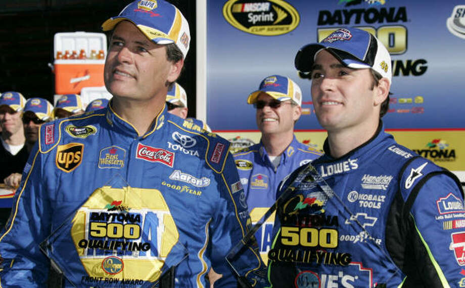 Michael Waltrip, left, couldn't catch Jimmie Johnson in the Daytona qualifying. He will start second. Photo: TERRY RENNA, AP