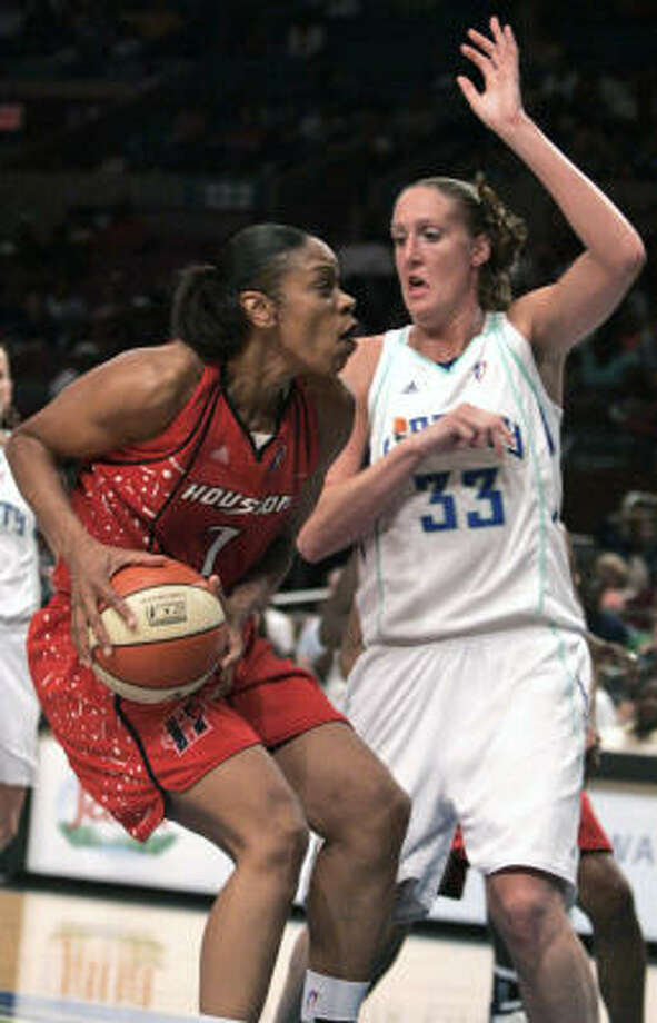 Tina Thompson scored 26 points to lead the Comets to a 80-74 road win at New York. Photo: Frank Franklin II, AP