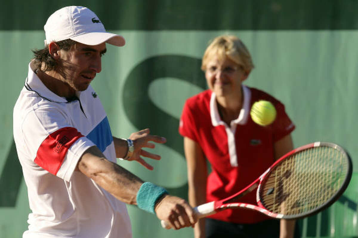 Pablo Cuevas was forced to retired from his first round matchup against Antonio Veic.
