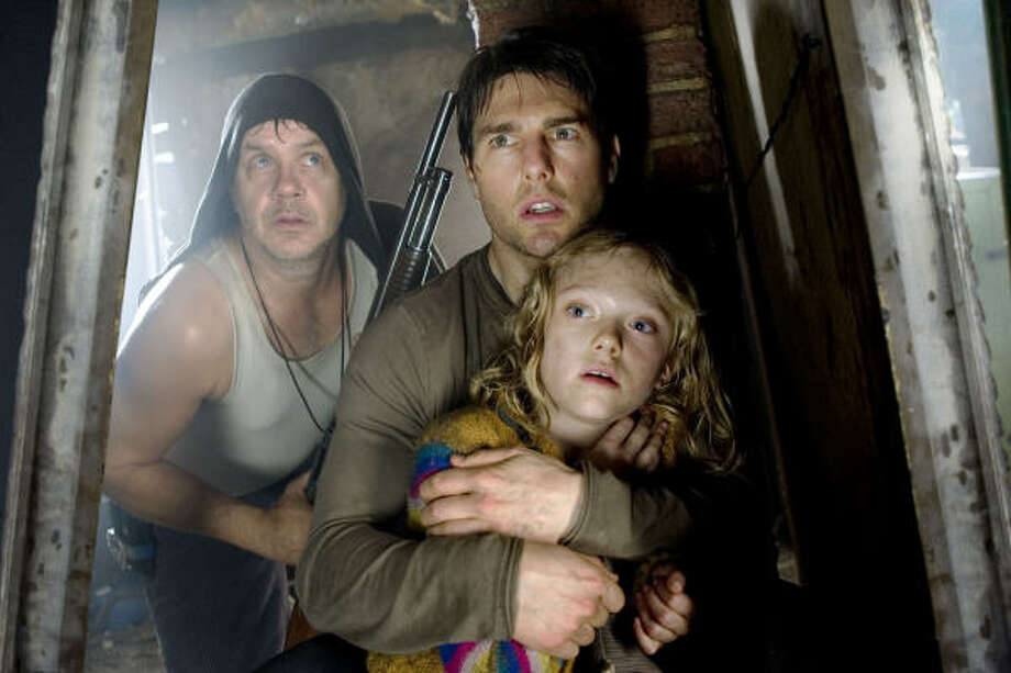 War of the WorldsDuring a catastrophic alien attack, Ray Ferrier (Tom Cruise) has to protect his daughter Rachel (Dakota Fanning). Photo: Andrew Cooper
