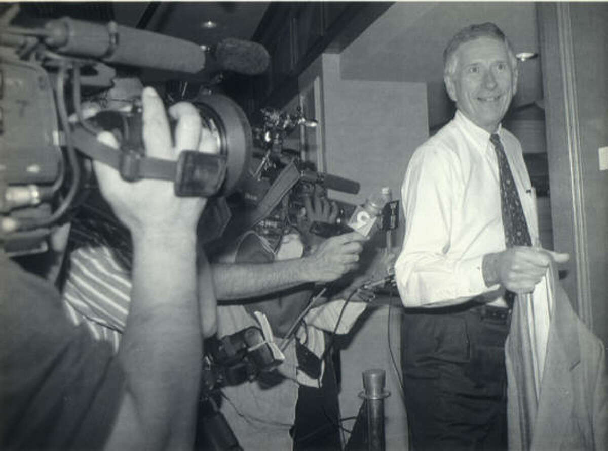 Drayton McLane Jr. leaves the meeting between owners and players on Aug. 24, 1994 as the two sides in the labor dispute met.