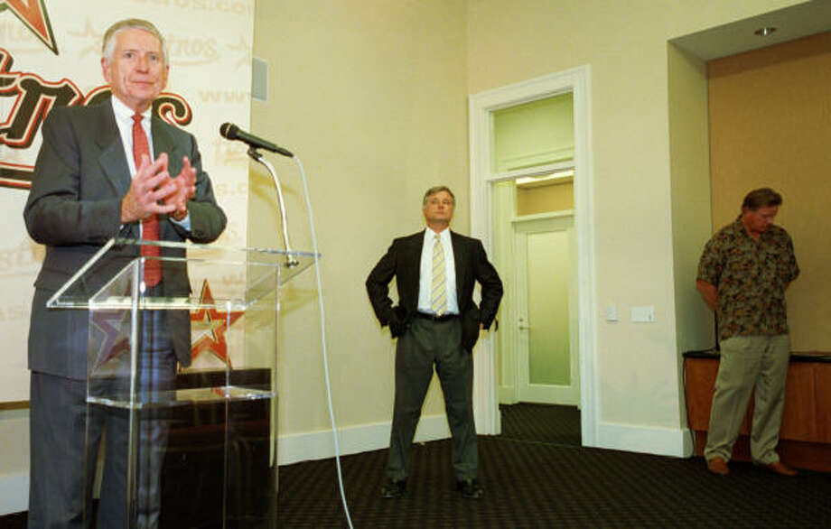 McLane speaks during the press conference to announce the decision of Larry Dierker to step down as the manager after the 2001 season. Photo: Karen Warren, Chronicle