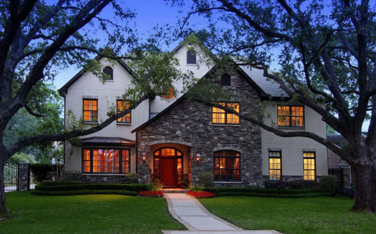 915 Wild Valley Rd, $2,295,000 John Daugherty Realtors Agent: Robin Tucker 713-626-3930 Main 713-397-5259 Direct