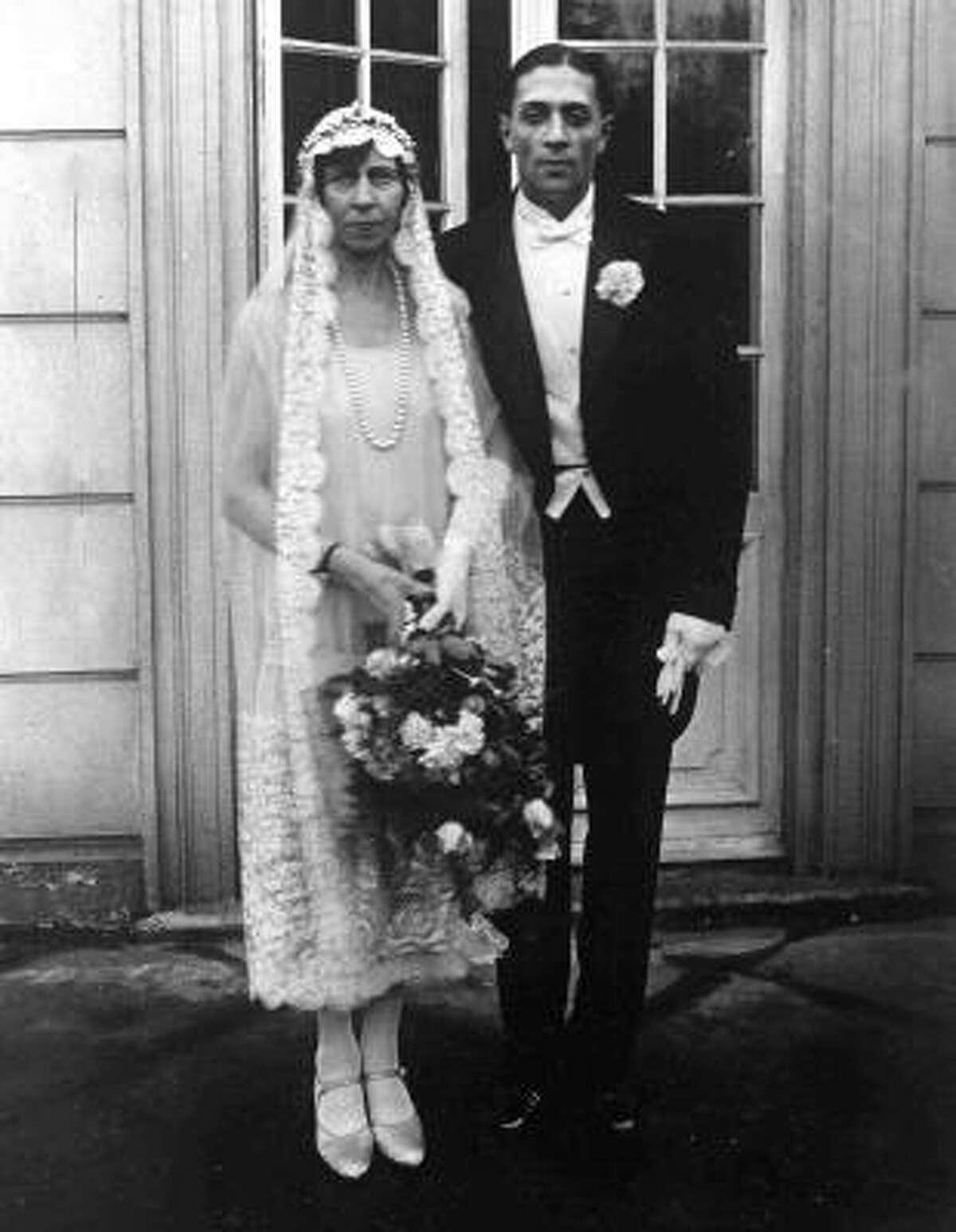Germany's Princess Victoria zu Schaumburg-Lippe, sister of Kaiser Wilhelm II, chose a Spanish-style mantilla when she wed Russian adventurer Alexander Dvorjanin Zubkov after their wedding in Bonn, Germany, Nov. 22, 1927.