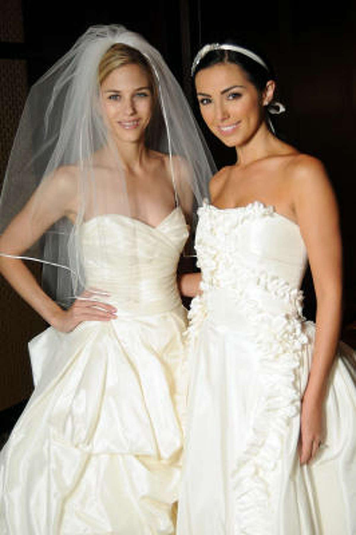 Models Lindsay Mallia and Magen Ellis