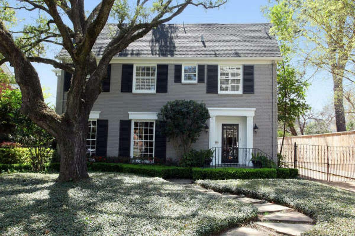 2601 Ella Lee Ln, $1,250,000 Greenwood King Properties Agent: Lynn Russell 713-542-0888 Main 713-784-0888 Direct