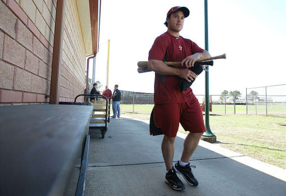 Koby Clemens walks back to the Astros clubhouse after hitting in the batting cages. Photo: Karen Warren, Chronicle