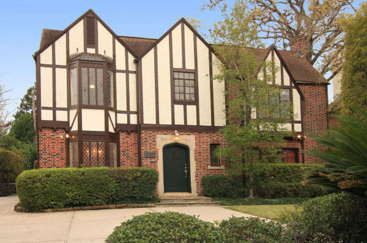 2433 Inwood Dr, $1,250,000 Agent: Cameron Ansari Greenwood King Properties (713) 524-0888 Main (713) 240-2611 Direct