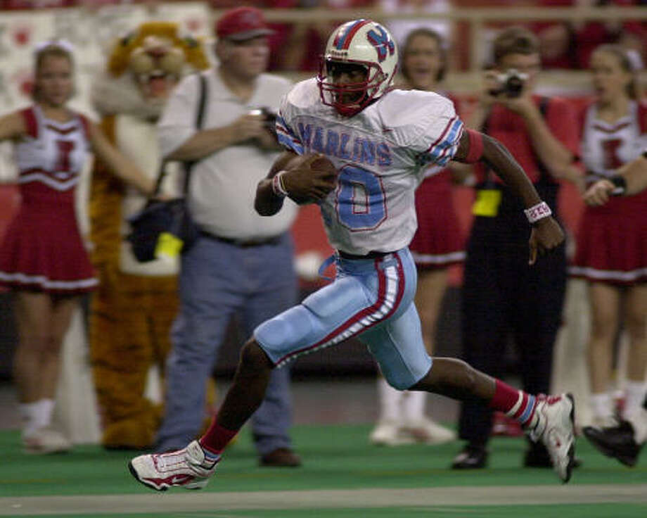 2001As evident in this 35-yard touchdown run against Katy during his Madison days, Vince Young was always an effective scrambler. Photo: Chronicle File