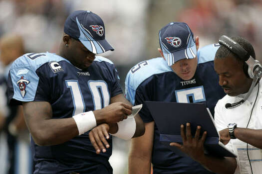 2007 Vince Young missed the Titans' first meeting with the Texans in 2007, sitting out the game at Reliant Stadium with a strained quadriceps. In his place, Kerry Collins led the Titans to a dramatic 38-36 over the Texans 38-36. Photo: Brett Coomer, Chronicle