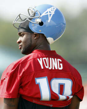 2009Vince Young entered the 2009 training camp as a backup to Kerry Collins, who went 13-2 as a starter last season. Photo: Mark Humphrey, AP