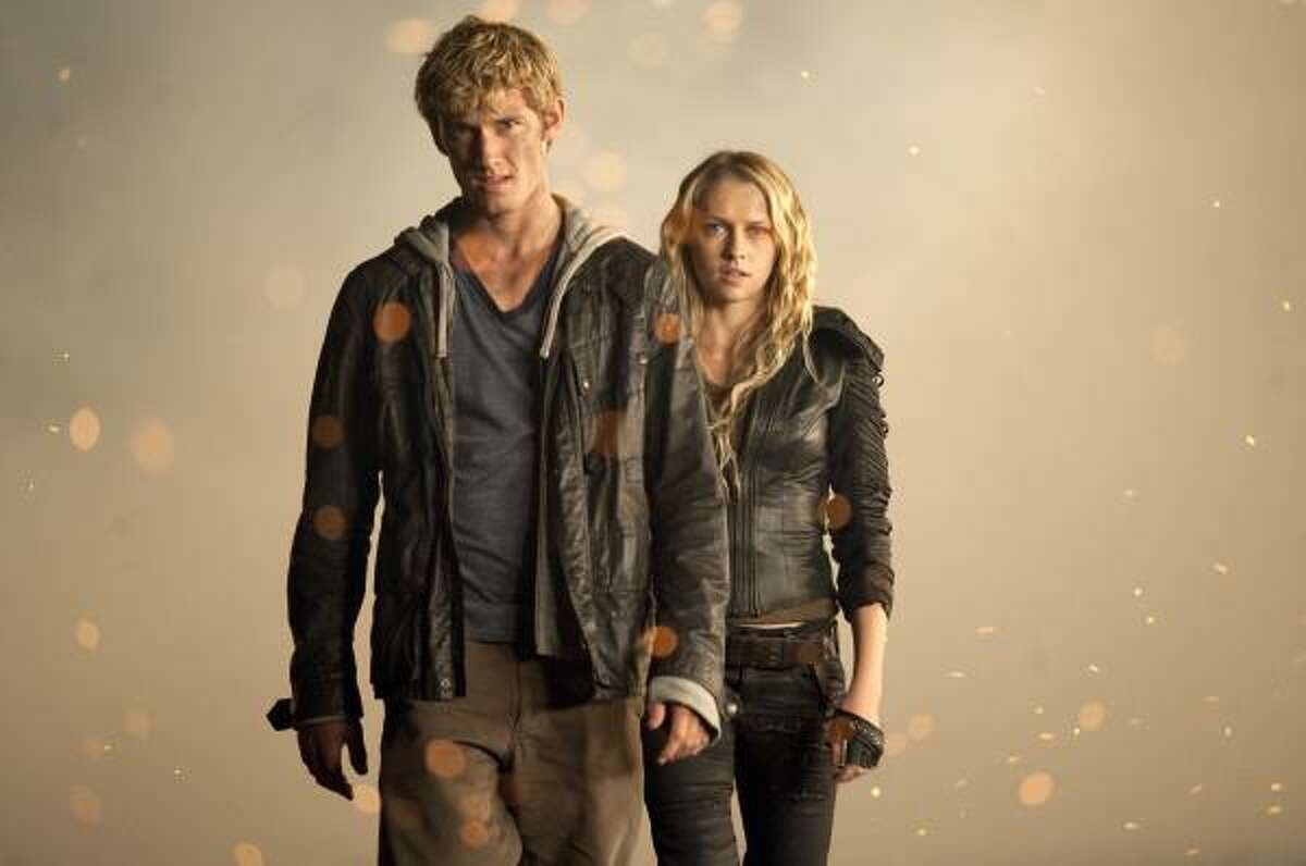 """Alex Pettyfer and Teresa Palmer star in """"I Am Number Four."""""""