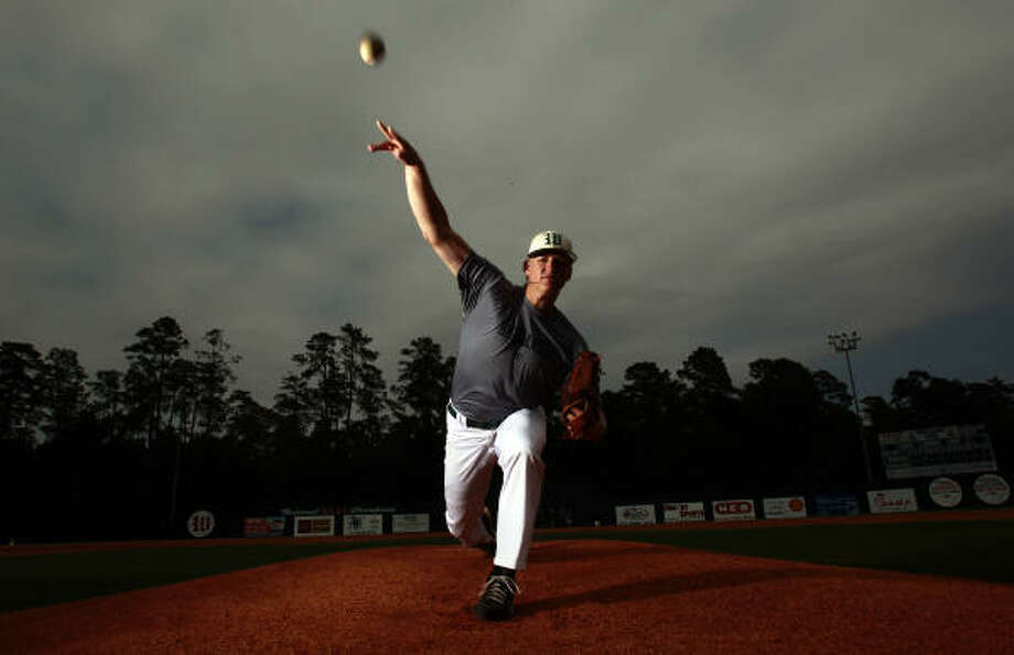Bryan Brickhouse of The Woodlands will pitch for North Carolina unless he's tempted by an offer from the team that drafts him. Photo: Johnny Hanson, Chronicle