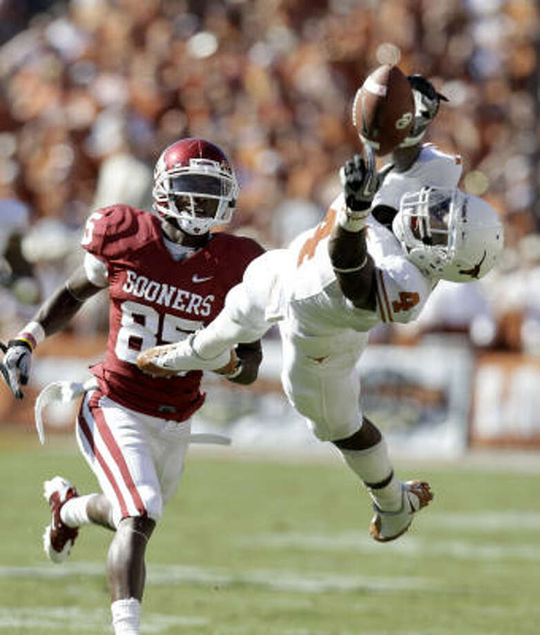 Texas defensive back Aaron Williams, right, is a top draft prospect at either cornerback or safety. Photo: LM Otero, AP