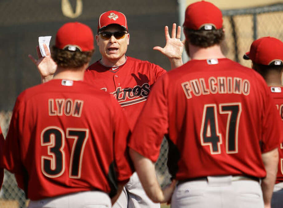 When Brad Mills spoke to his players, he told them the 2011 Astros were better than the team that finished 2010. Photo: Karen Warren, Chronicle
