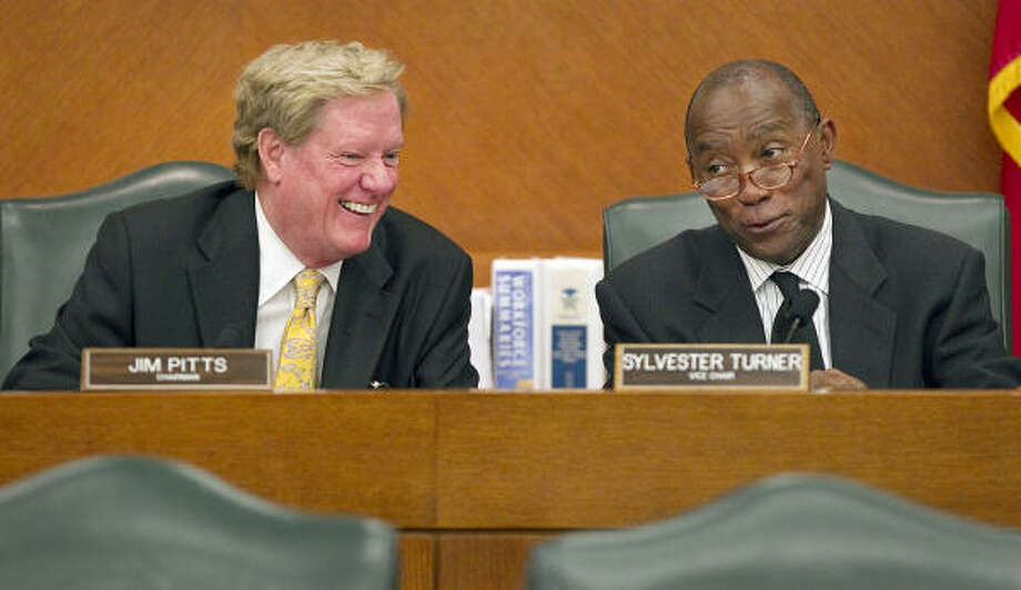 Budget Appropriations Committee chairman Jim Pitts, left, is seen with Sylvester Turner. Photo: Ralph Barrera, Austin American-Statesman