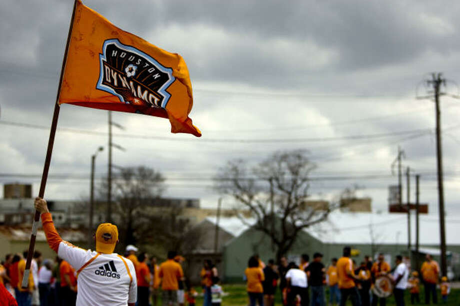 The weather should improve by Saturday, when the Dynamo will host a groundbreaking ceremony at Rusk and Bastrop from 2-4 p.m. Photo: Johnny Hanson, Chronicle