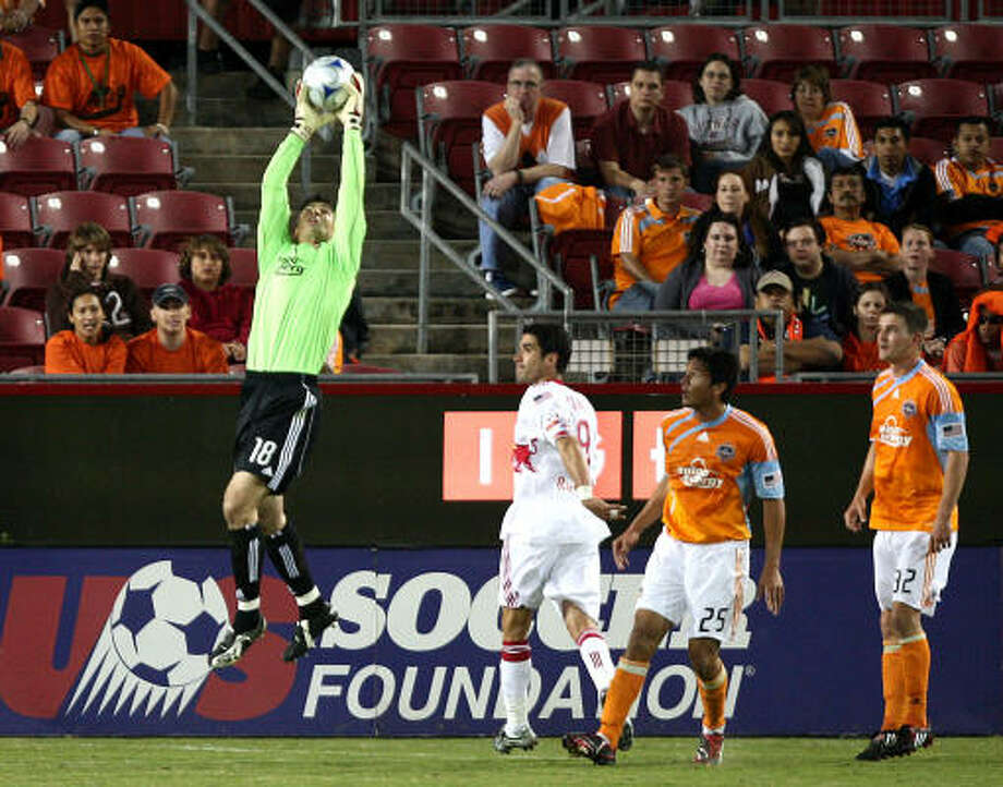 Pat Onstad left his mark on the Dynamo, especially while helping the team win MLS Cup titles in its first two years in Houston. Photo: Bob Levey, For The Chronicle
