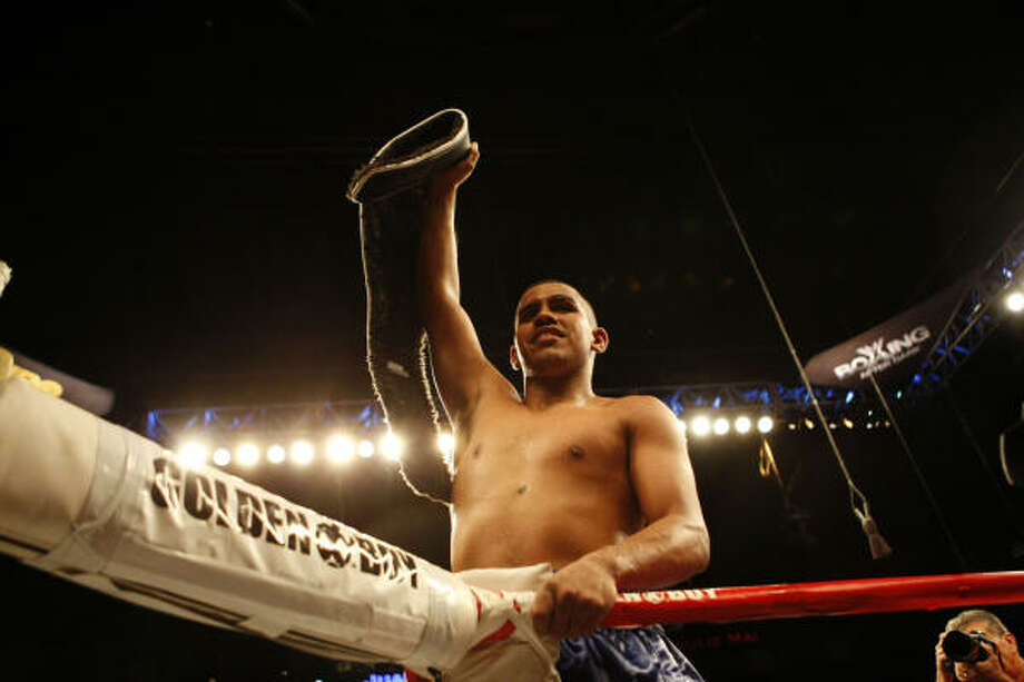 Juan Diaz announced his retirement from boxing on Monday. Photo: Johnny Hanson, Chronicle