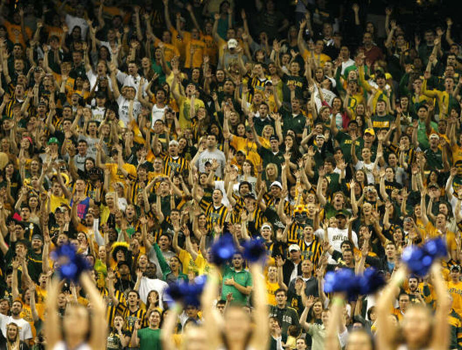 Houston got a taste of the madness that is the NCAA Tournament when Baylor fans swarmed to Reliant Stadium for the South Regional last year. Photo: James Nielsen, Chronicle