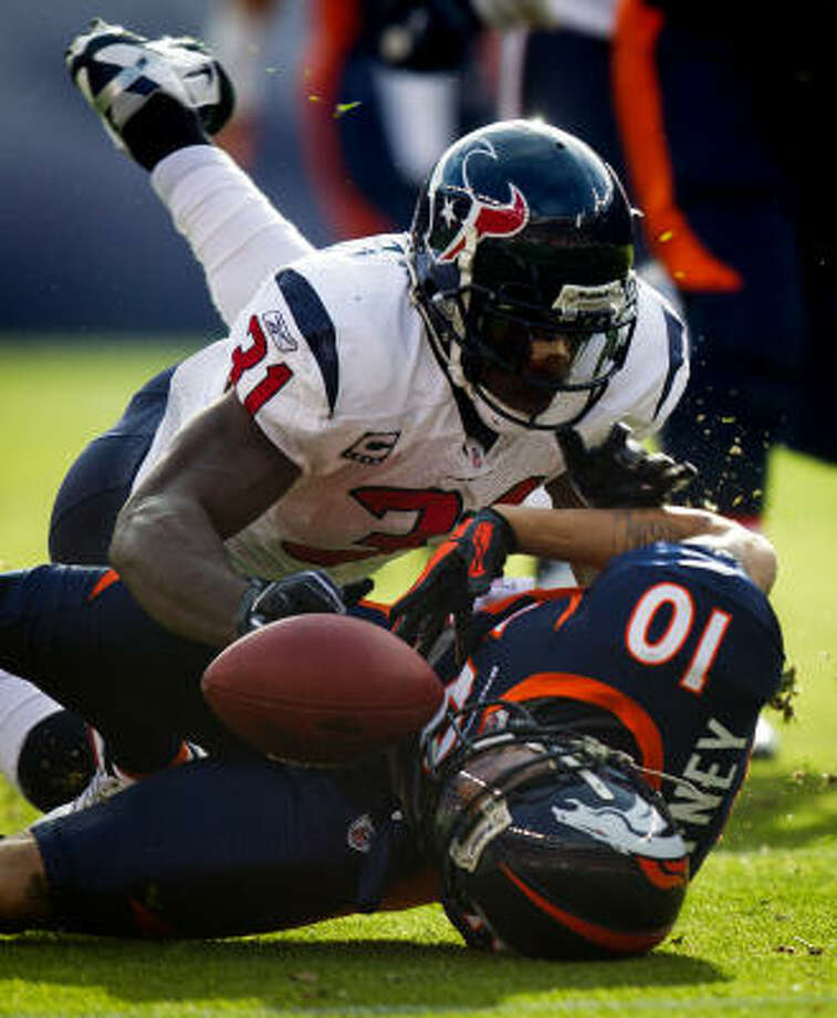 Free agents, such as safety Bernard Pollard, would not be able to sign until the lockout ends. Photo: Smiley N. Pool, Chronicle