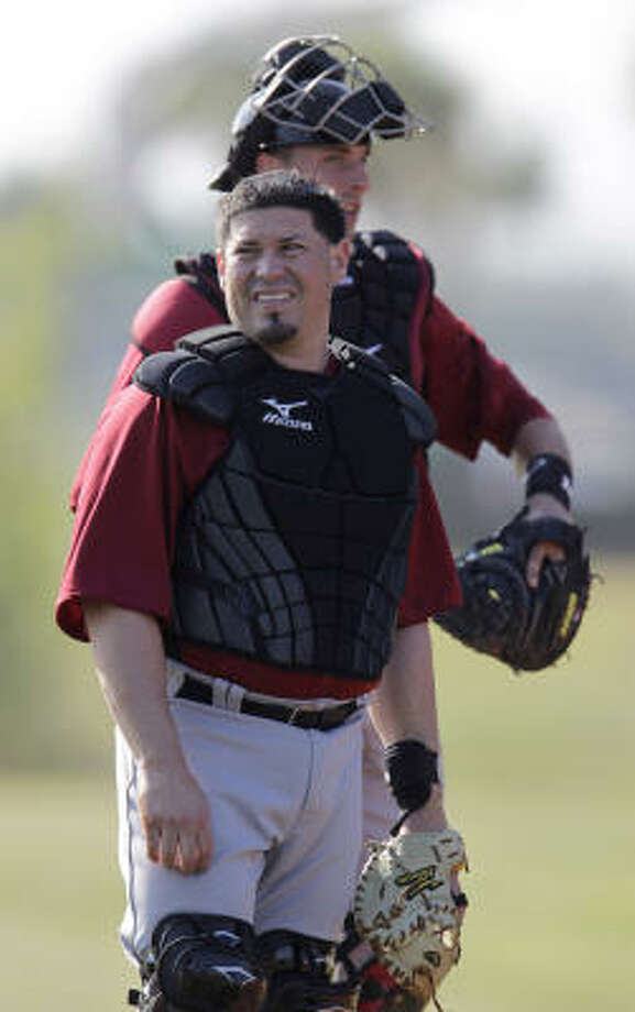 With Humberto Quintero, front, their only catcher with more than 300 big league at-bats, the Astros are mulling options now that Jason Castro is sidelined. Photo: Karen Warren, Chronicle