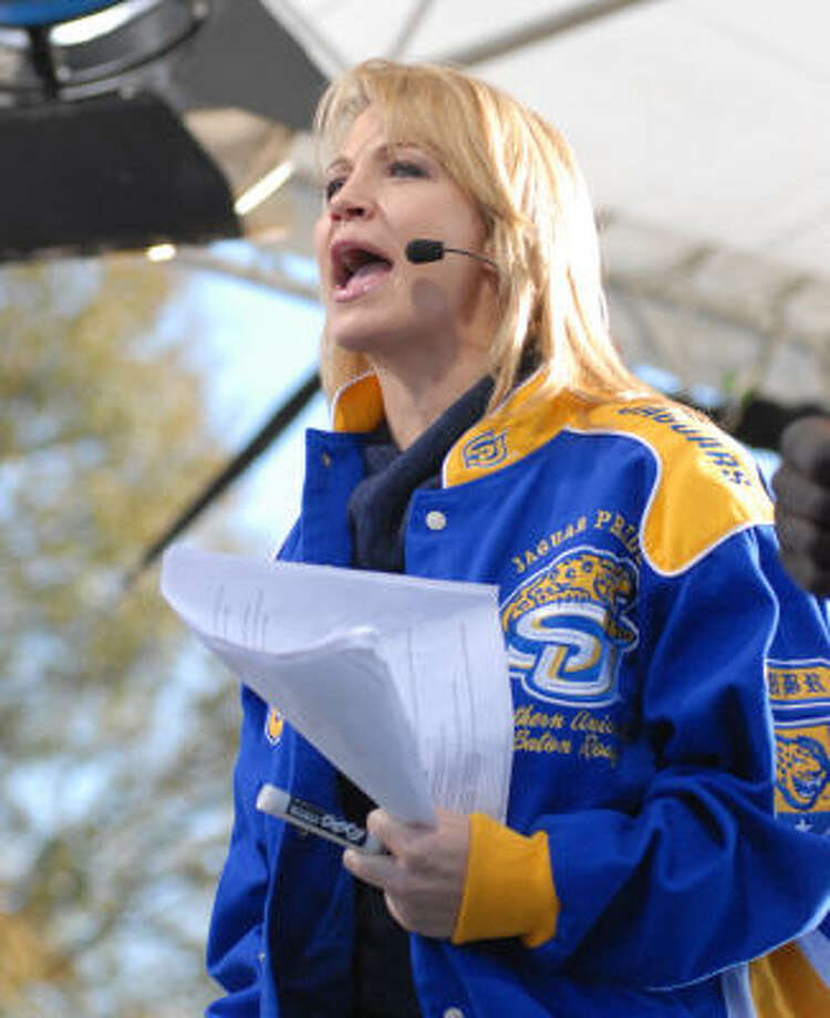 Michelle Beadle engages the crowd during a live segment of SportsNation on the Road. Photo: John Oubre