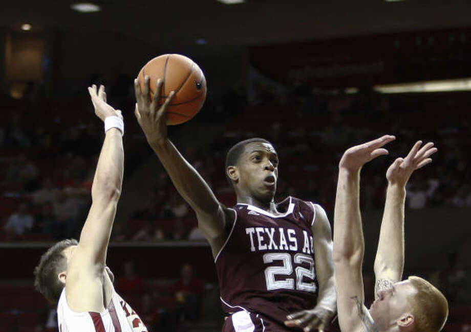 Texas A&M forward Khris Middleton scored 16 points and added five assists. Photo: Alonzo Adams, AP