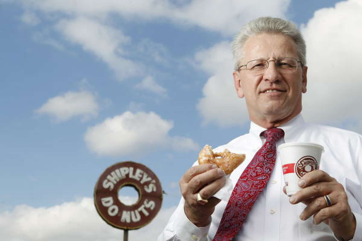 Bob Choate won 315 coupons from Shipley's Do-Nuts at an Astros game.