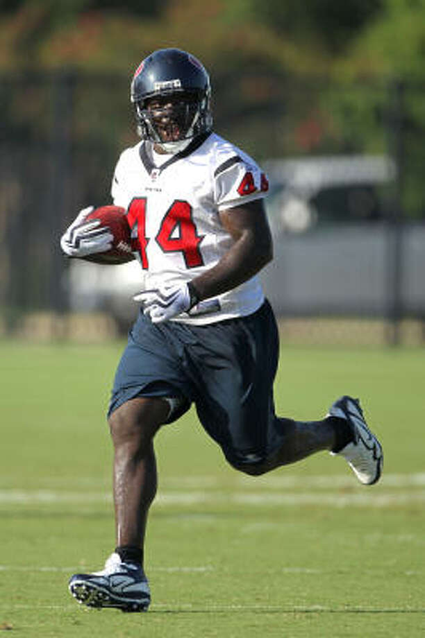Fullback Vonta Leach is a free agent, and should be a priority for the Texans to bring back. Photo: Karen Warren, Chronicle